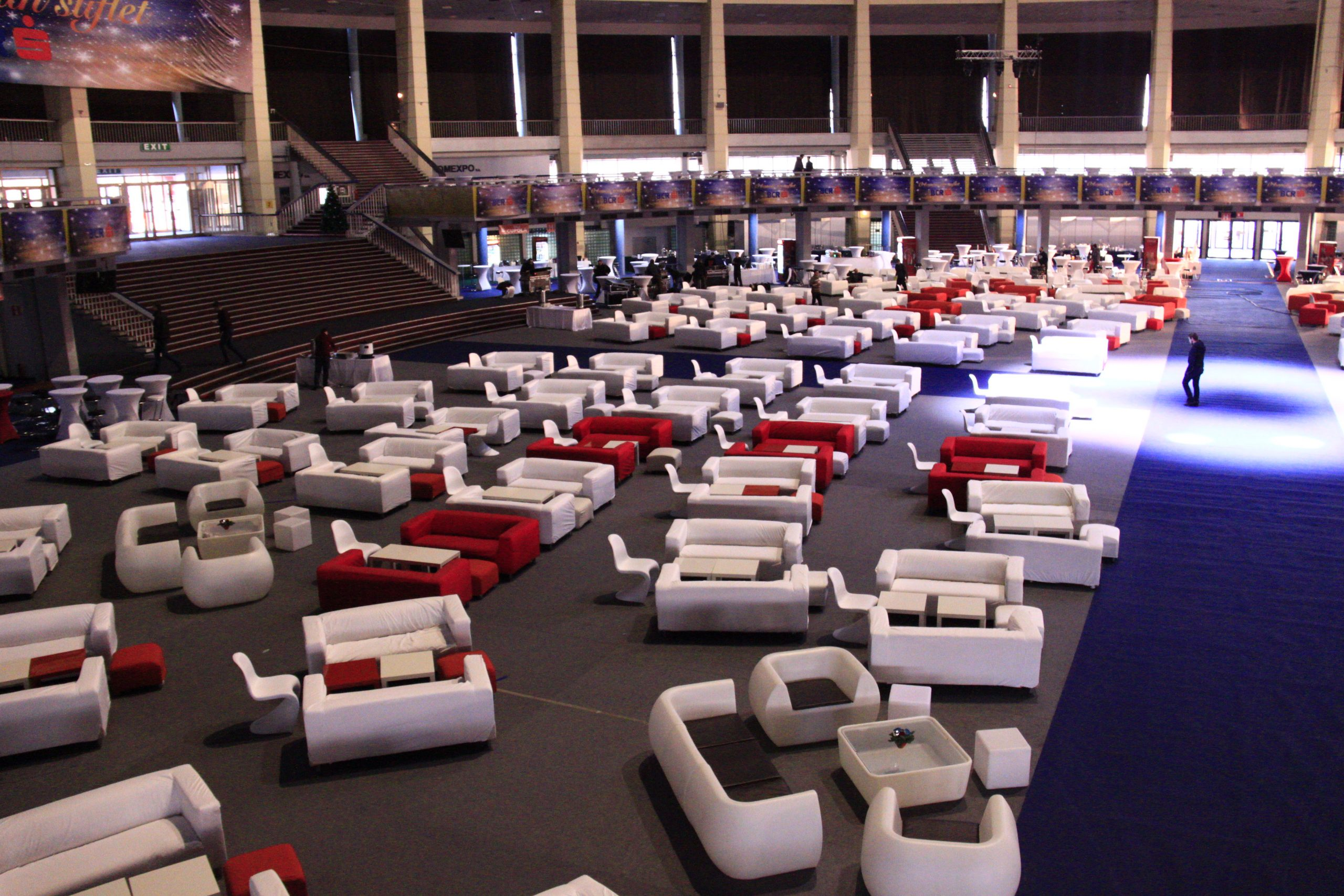 Inchiriere mobilier lounge